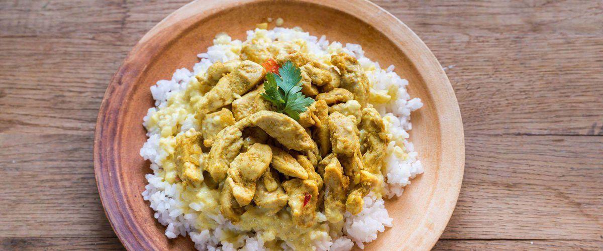 Slide for Golden Curry an Indian Restaurant & Takeaway in Milton Keynes